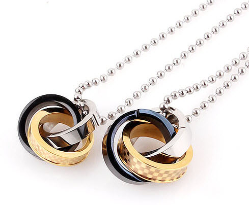 Triple Ring Pendant Necklace 2