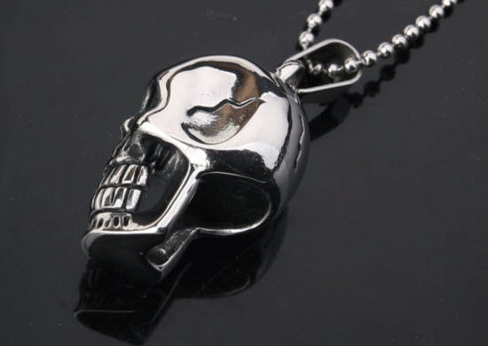 skull pendant necklace 3a