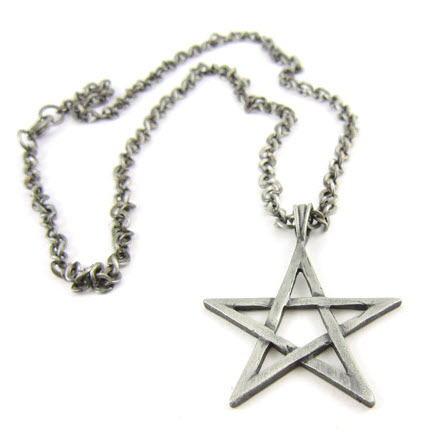 star pendant alloy necklace