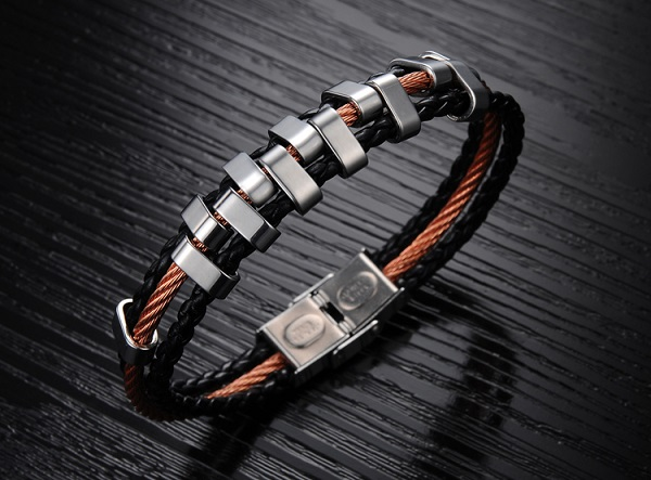 new-titan-men-bracelet-2b